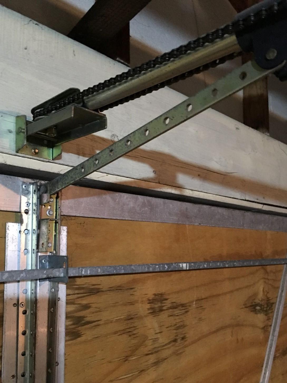 Sagging Double garage door.-img_0099.jpg