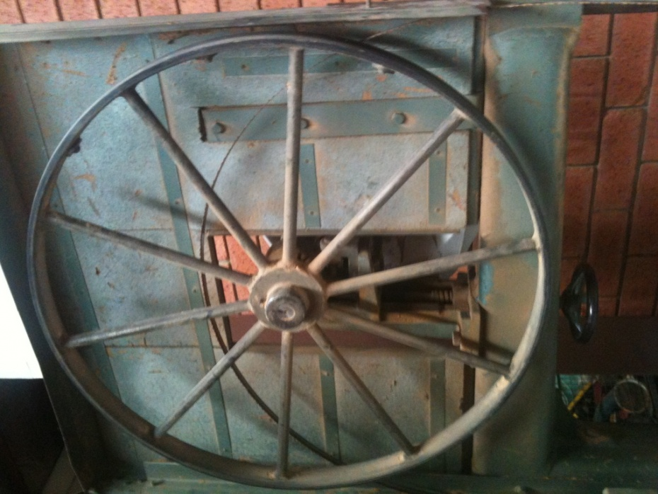 old bandsaw getting back to life-img_0532.jpg