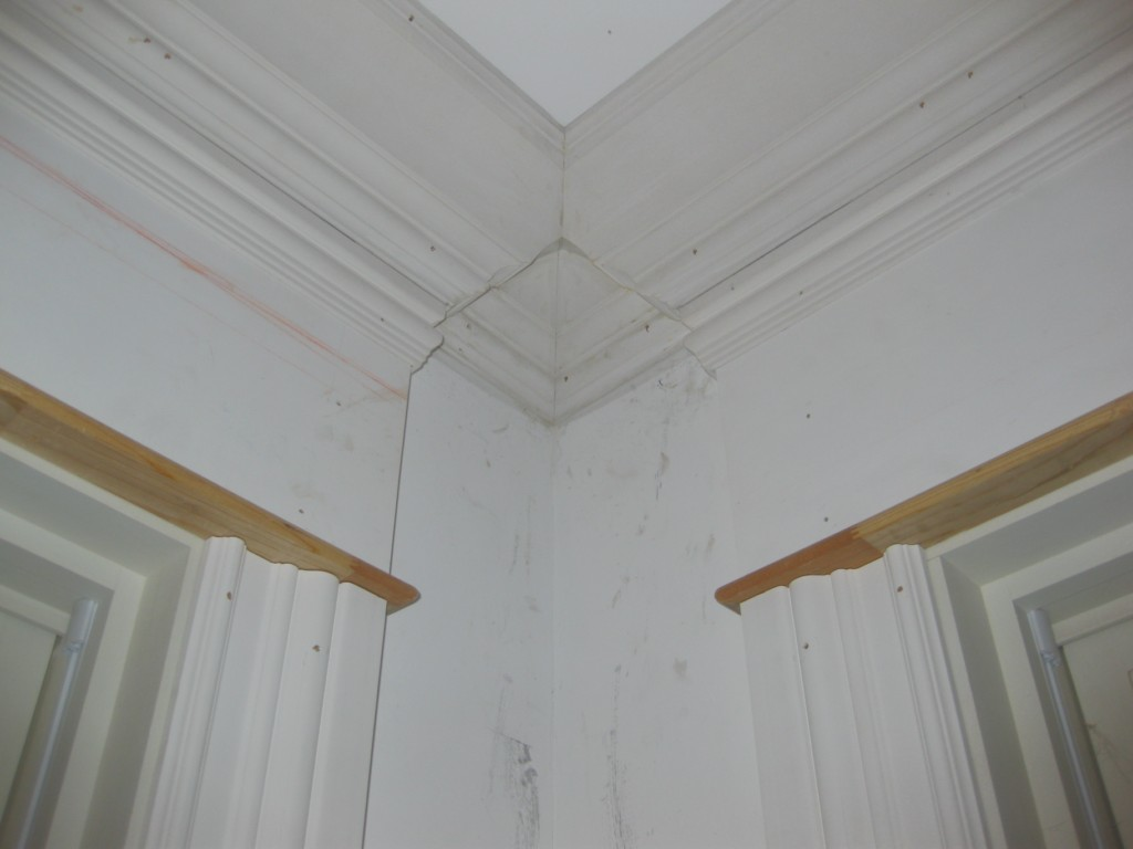 Here are some interesting crown moulding intersections-img_0831-desktop-resolution-.jpg
