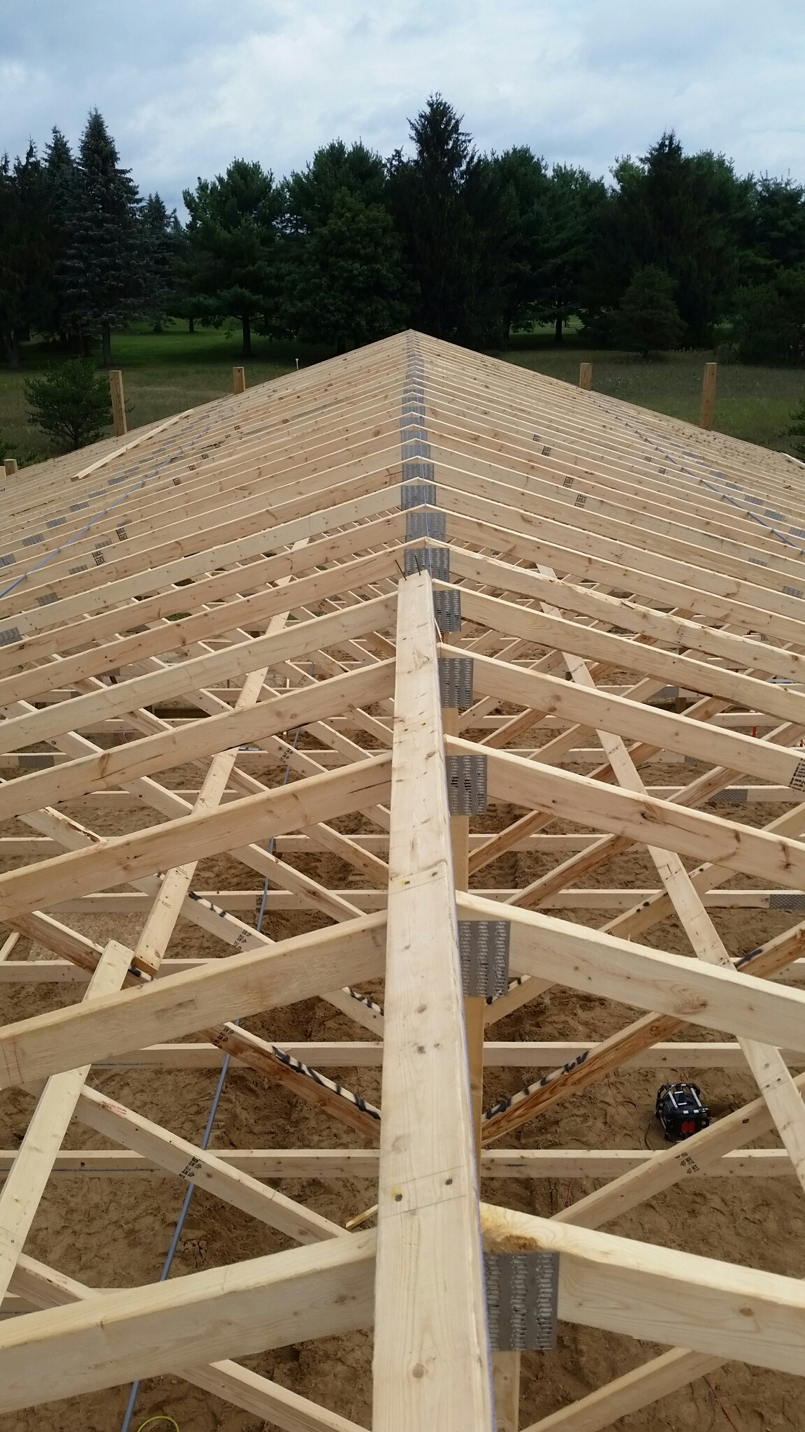 Pole Barn trusses-img_0991.jpg