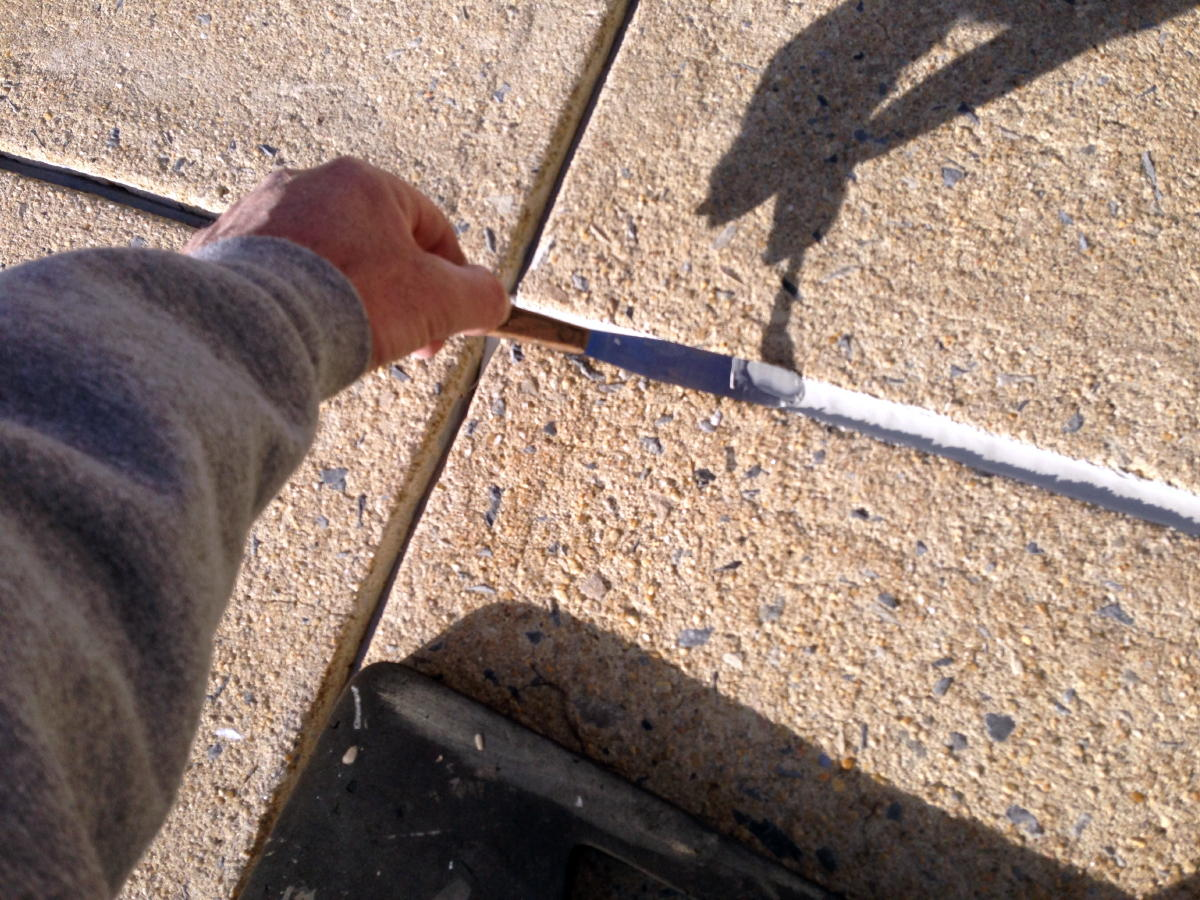 Expansion joint maintenance-img_1688a.jpg