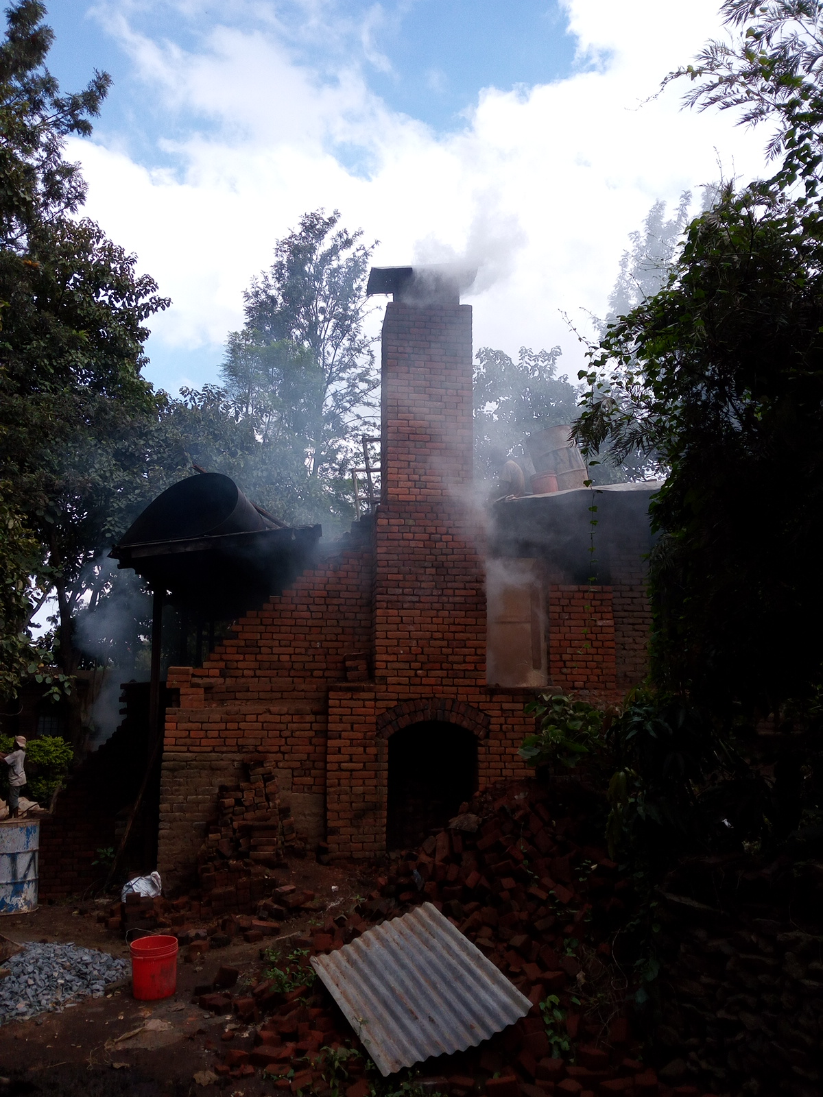 Clamp kiln vault and chimney-img_20160405_150337.jpg