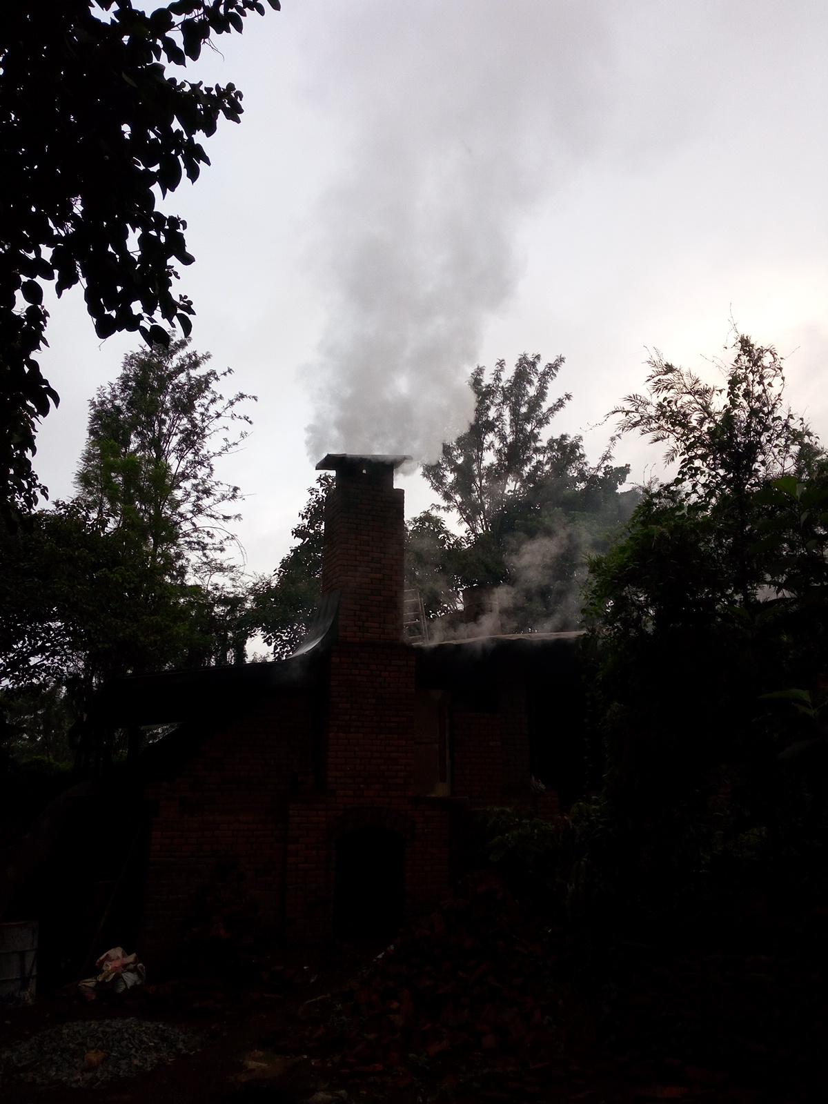 Clamp kiln vault and chimney-img_20160406_063919.jpg