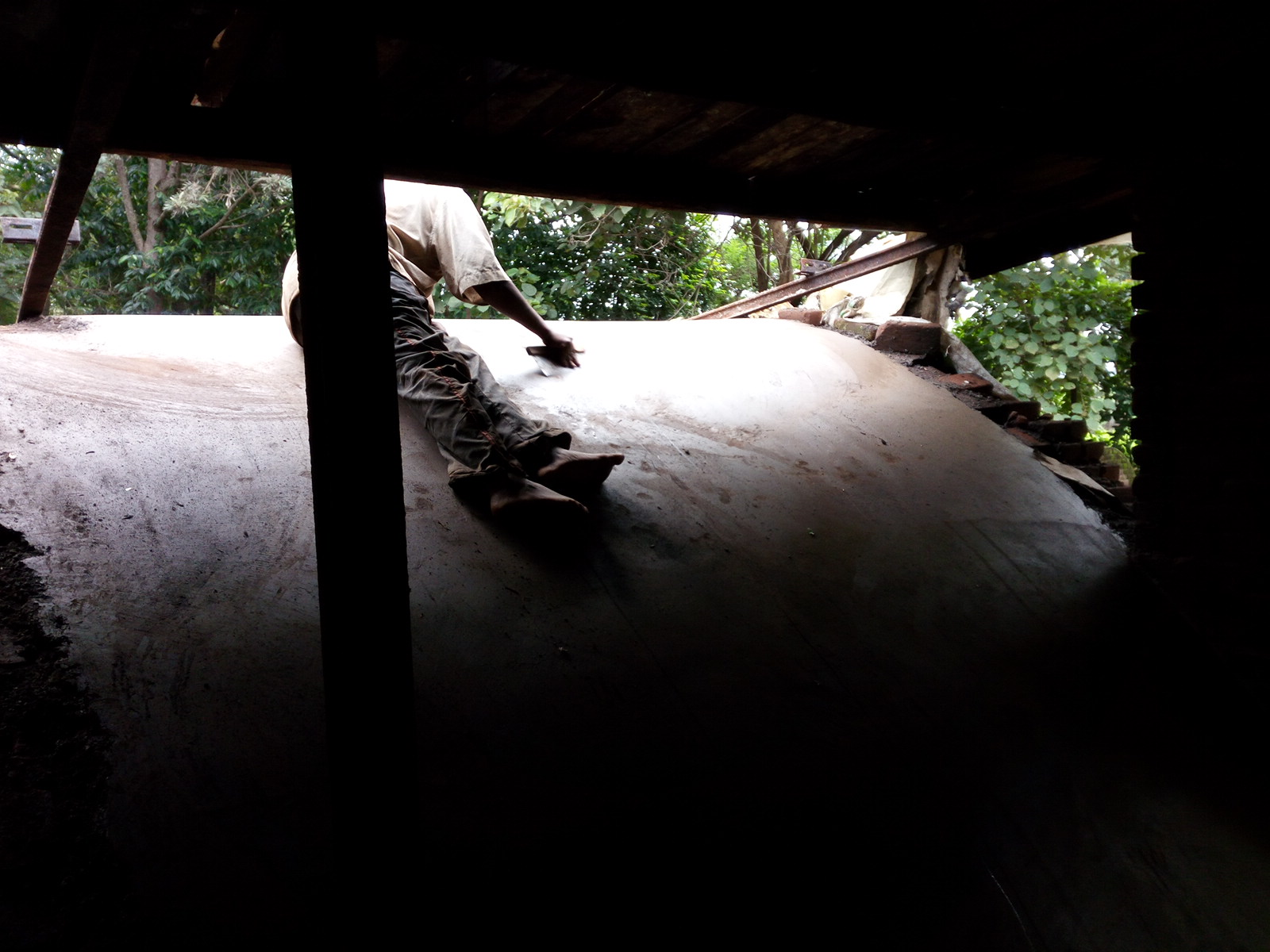 Clamp kiln vault and chimney-img_20160504_092627_1cs.jpg