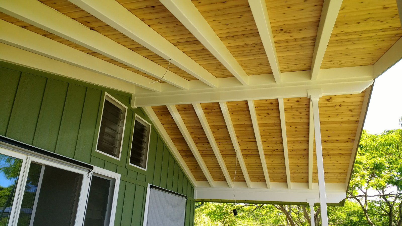 Roof ridge beam rafters poorly attached to ridge beam for Rafter beam