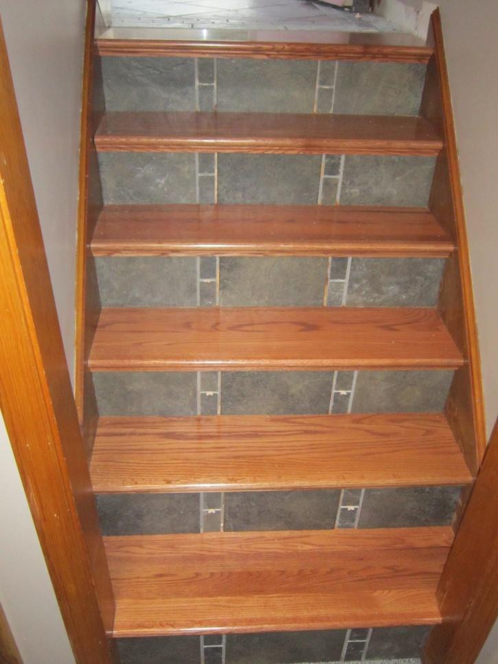 Split Level Foyer From Carpet To Hard Wood Treads Tile
