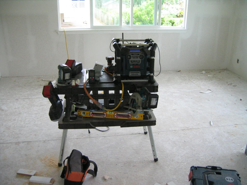 Jobsite Radio/Boom Box for Interior Room Hopping-img_3842.jpg