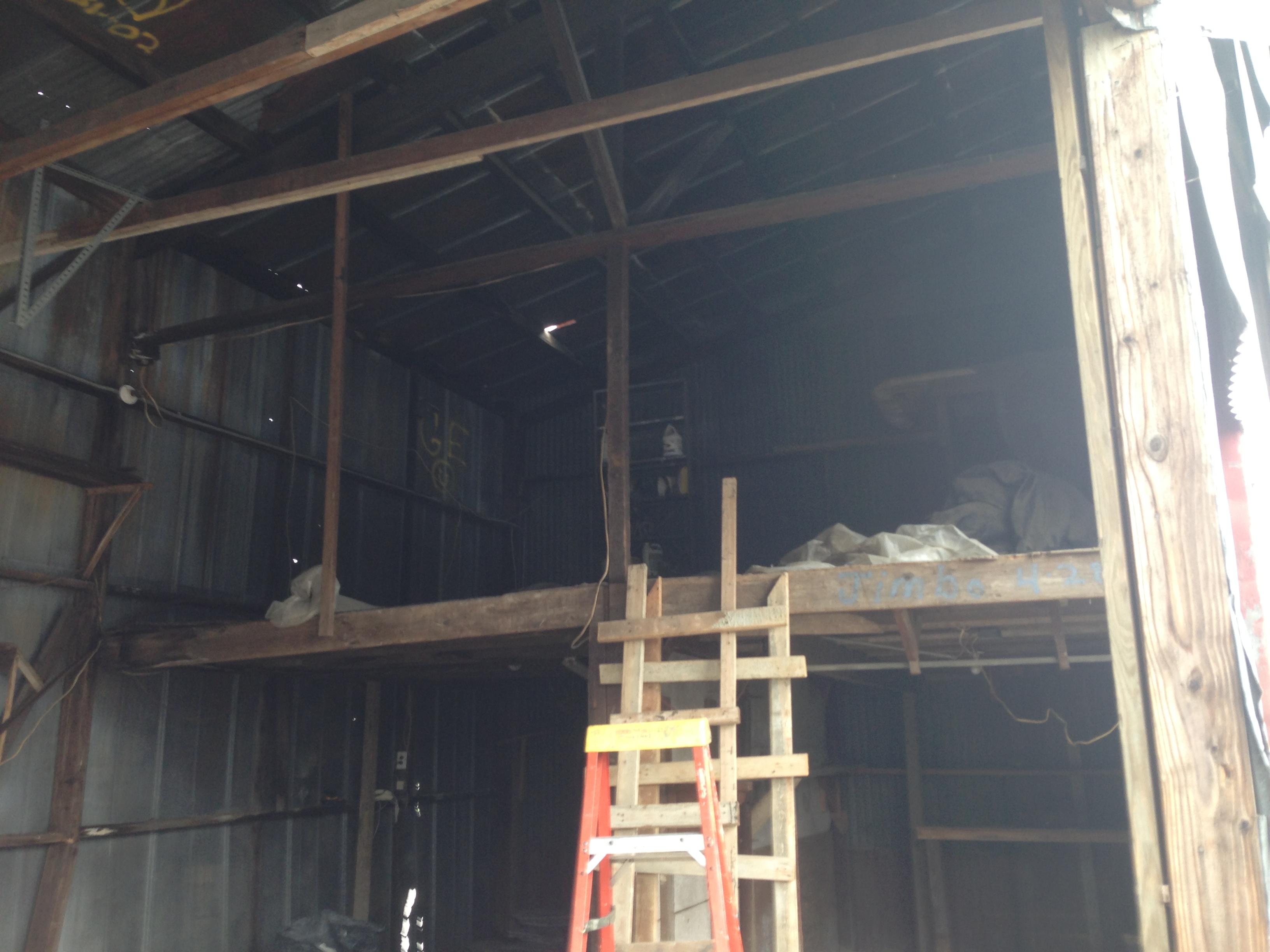 Really old garage-img_4075.jpg