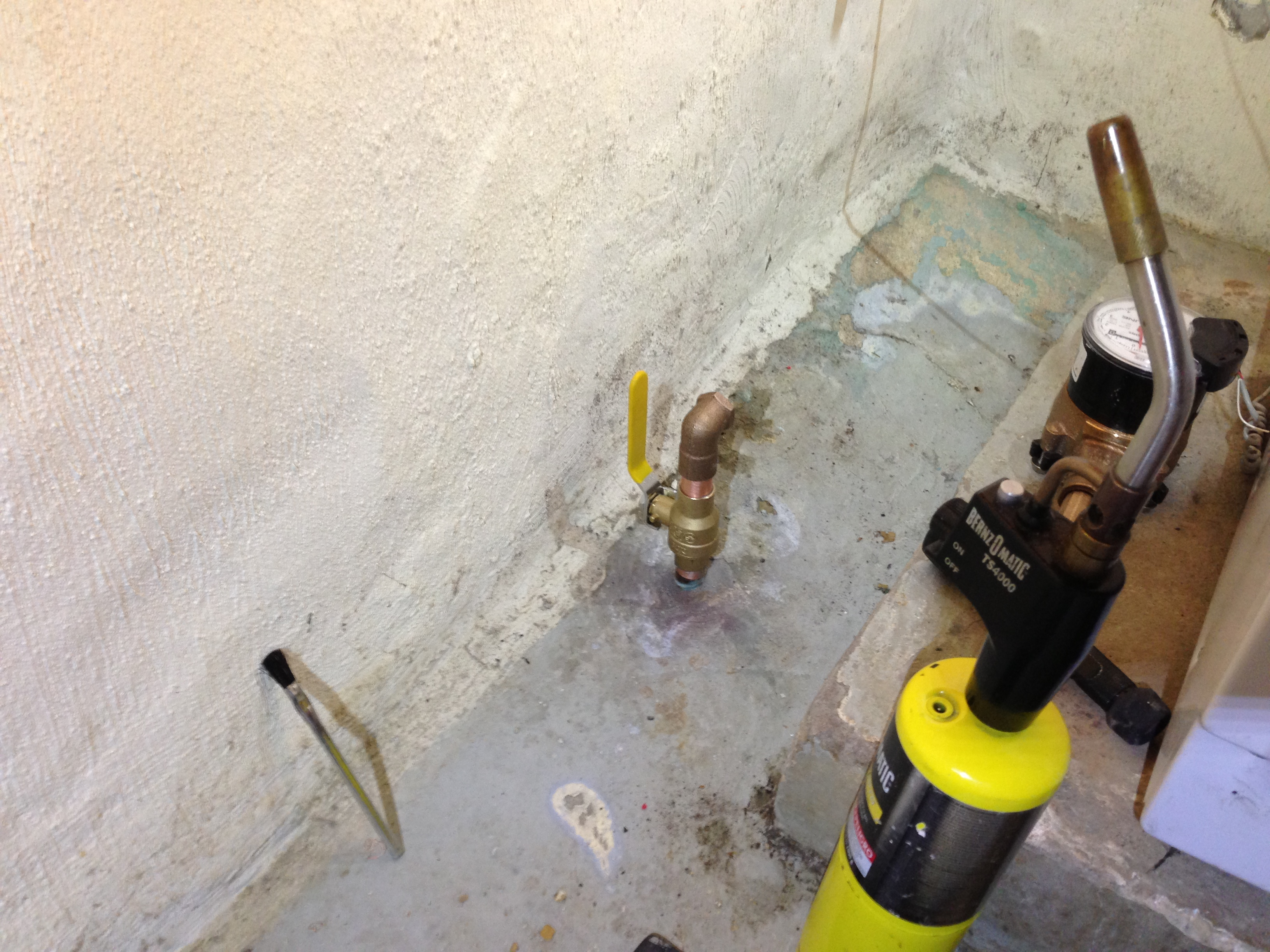 Pinhole leak-img_4692.jpg