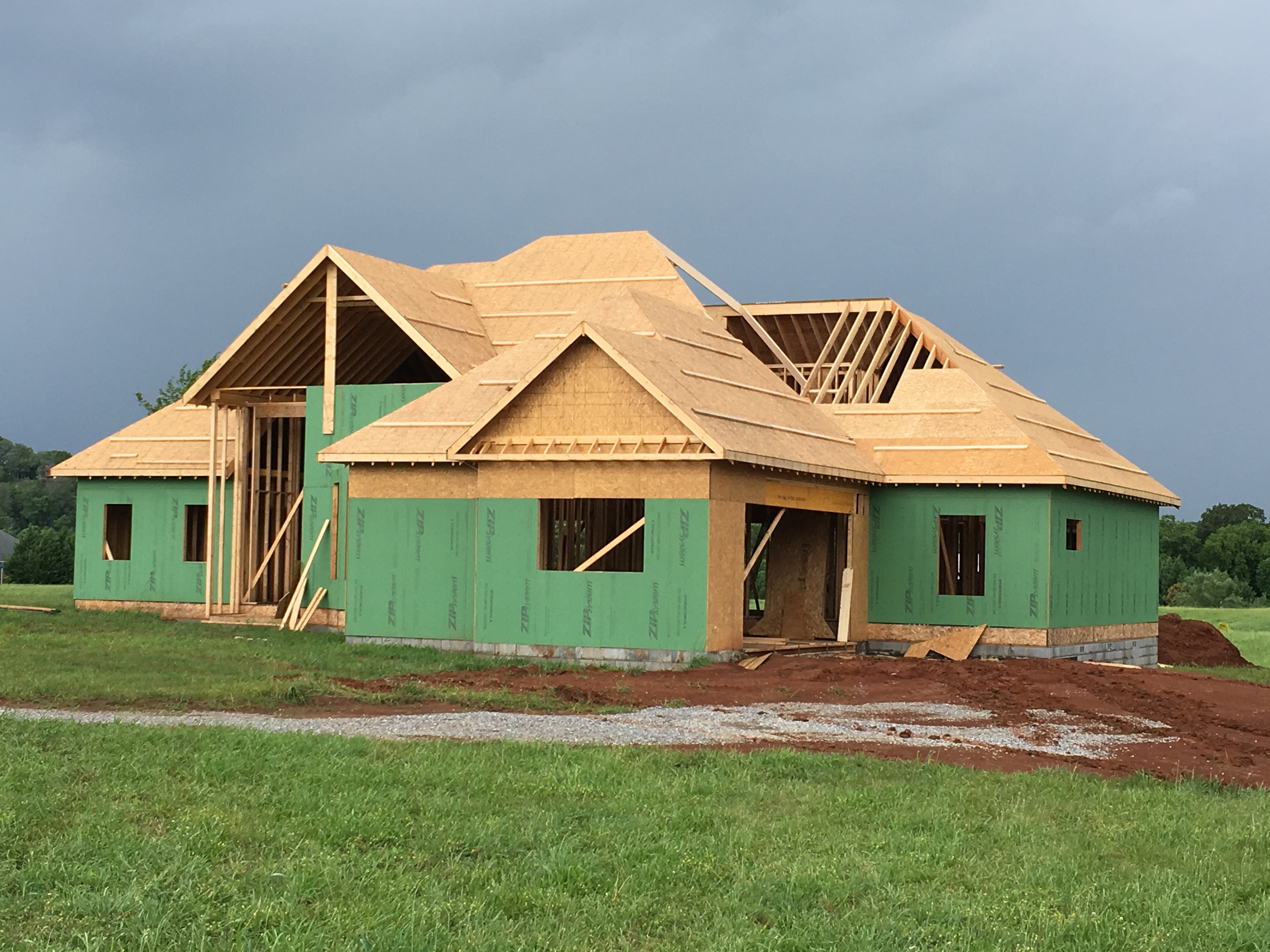 Finished a nice house!-img_5019.jpg