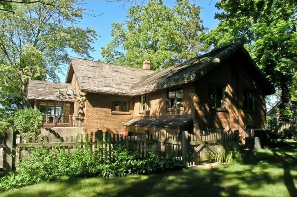Vintage roof-is1akexkm63pnn.jpg