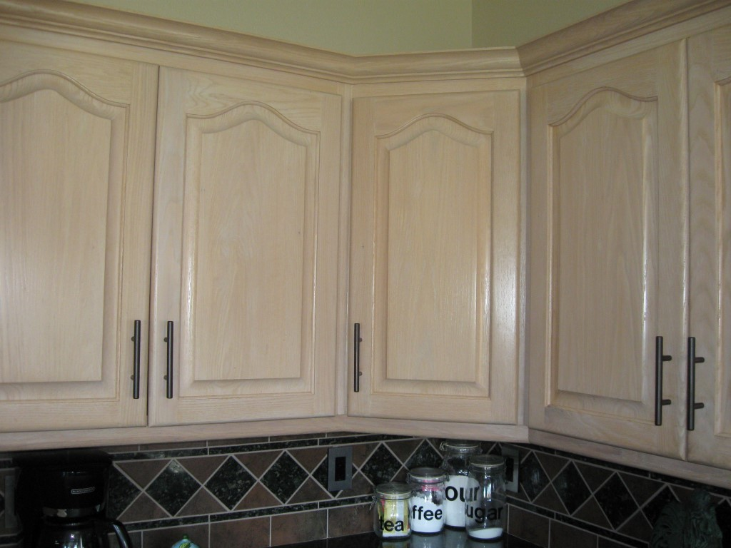Help Matching Cabinet Finish/Stain?-kit-cab-stain-14-medium-.jpg