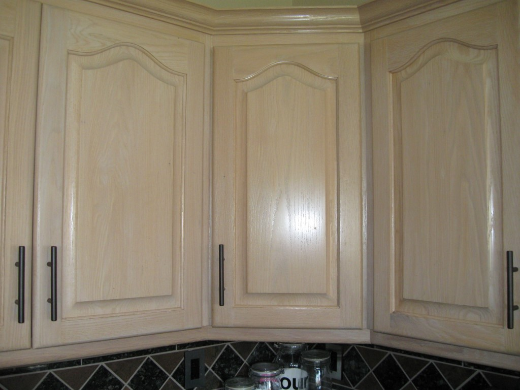 Help Matching Cabinet Finish/Stain?-kit-cab-stain-7-medium-.jpg