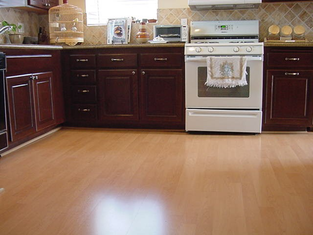 kitchen laminate floor tiles laminate flooring kitchen laminate flooring reviews 5299