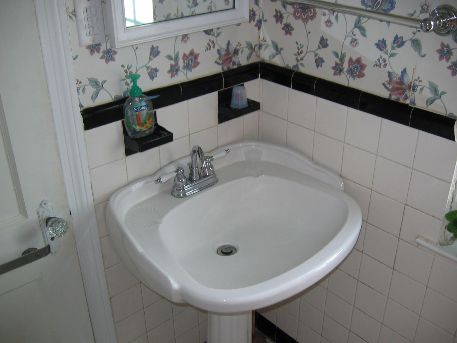 cast iron tub removal page 4 remodeling contractor talk. Black Bedroom Furniture Sets. Home Design Ideas