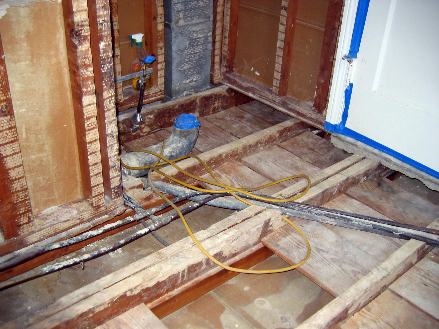 Drum trap replacement-latini-bathroom-031a.jpg