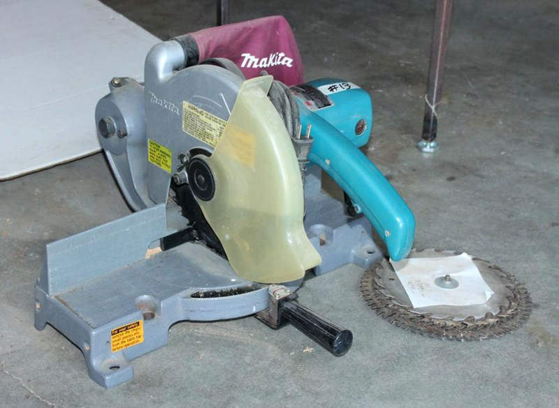First miter saw I used was cordless - what about you?-makita-ls1000-miter-saw-3.jpg