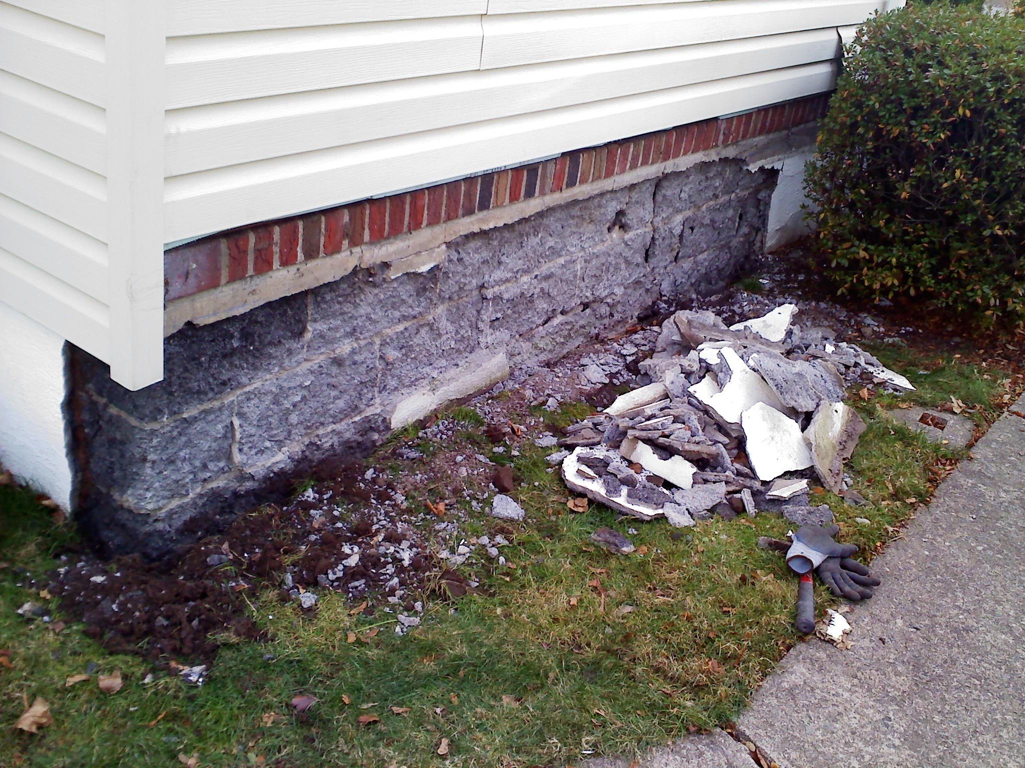 Block decay-masonry-mess.jpg