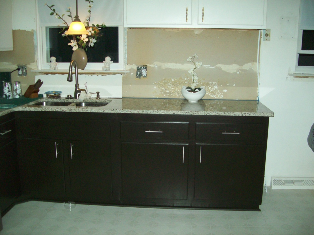 "Help! No-Bore Concealed hinge on Face frame, overlay cabinet with 1/2"" thick doors!-moms-cabinets-5-2011-008.jpg"