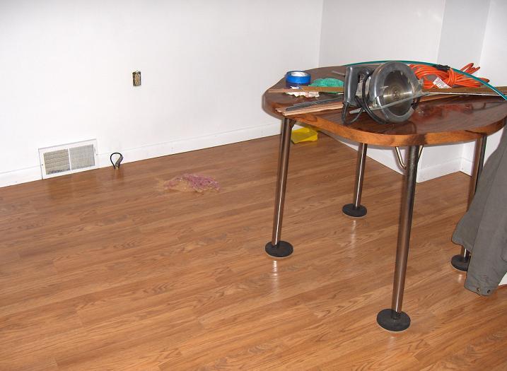 Laminate Floor-moms-kitchen-010-resize.jpg