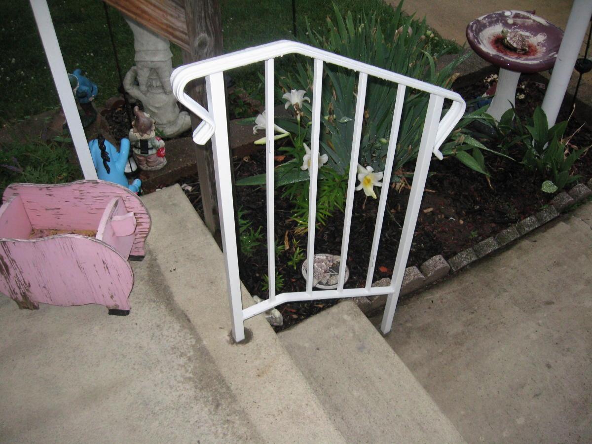 Wrought iron railing-moms-railing-030a.jpg