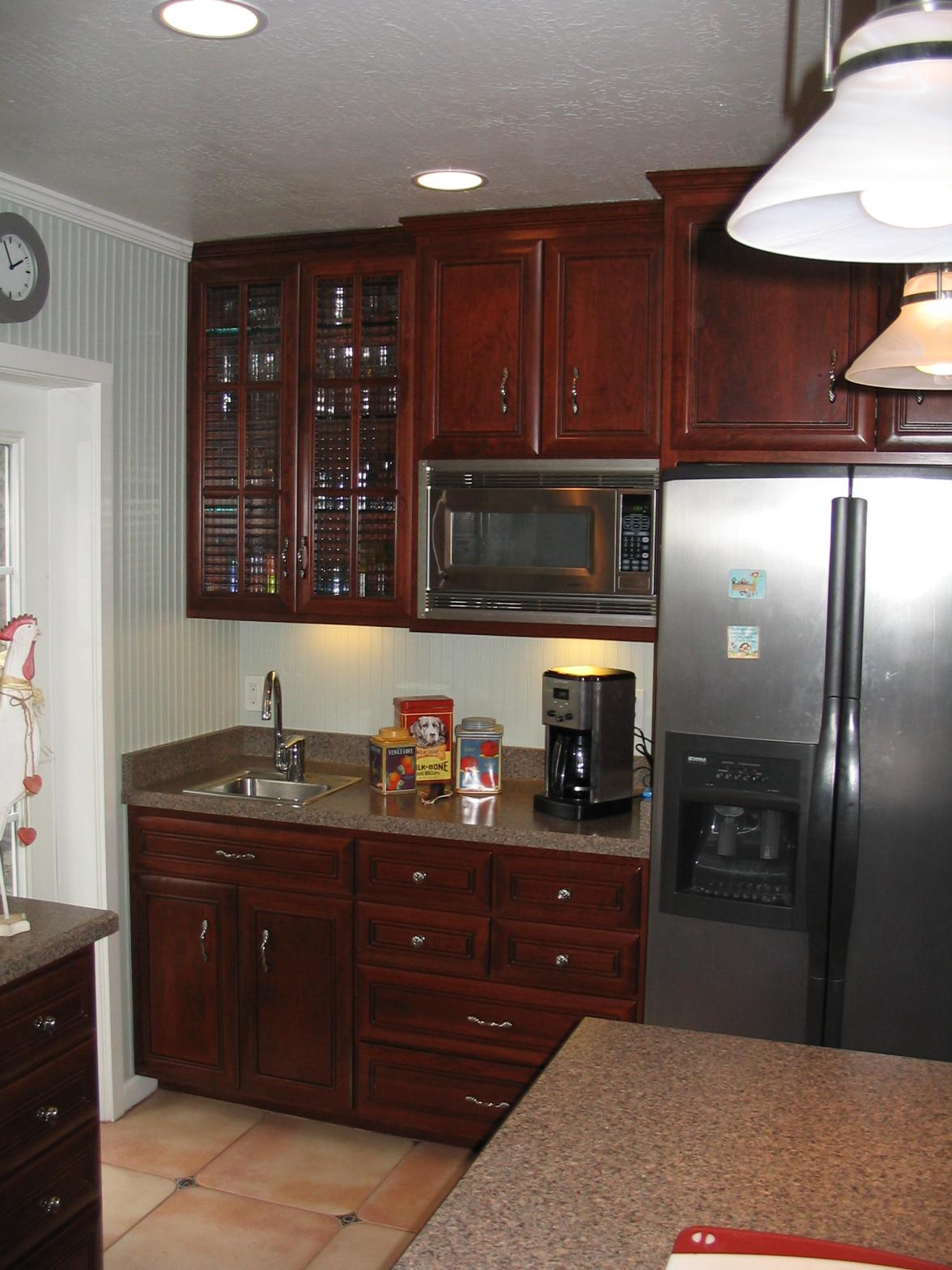 Crown moulding in Kitchen w/ cabinet crown-moulton-pat-014.jpg & Crown Moulding In Kitchen W/ Cabinet Crown - Finish Carpentry ...