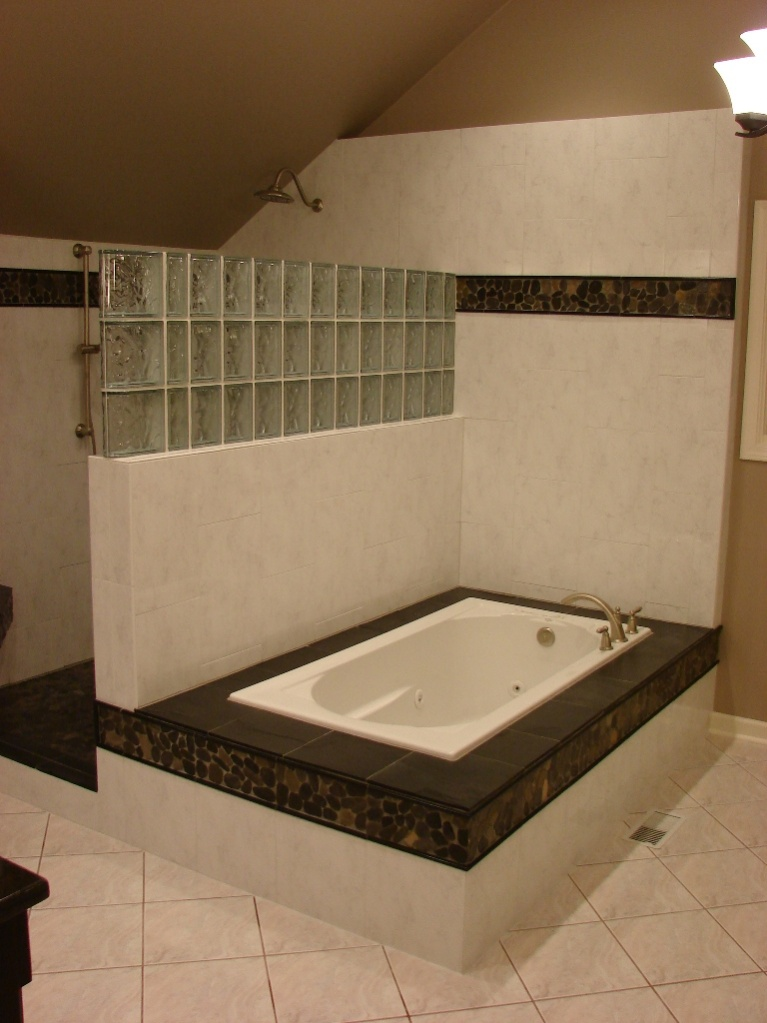 Big bath tub issues!-newtubsmall.jpg