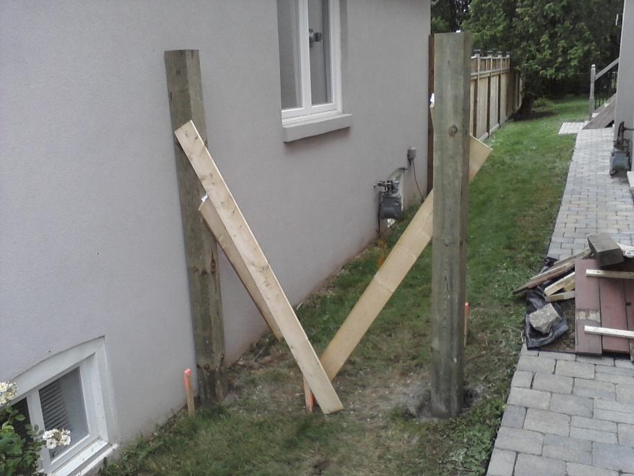 Gate vs stucco house-p09-06-12_16-02-1-.jpg