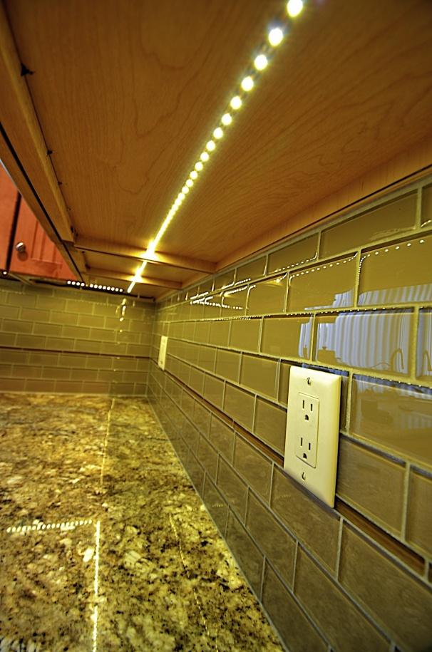Under Cabinet Lighting Phillips Kitchen 57 Jpg
