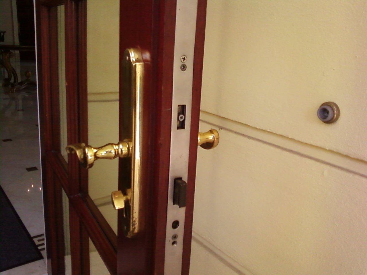 Strange Door Locked By Itself Glitch In The Matrix