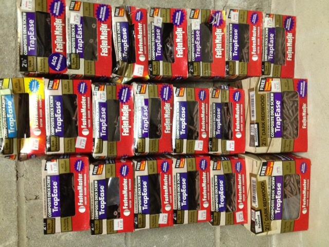 28lbs of deck screws-photo_1-screws.jpg