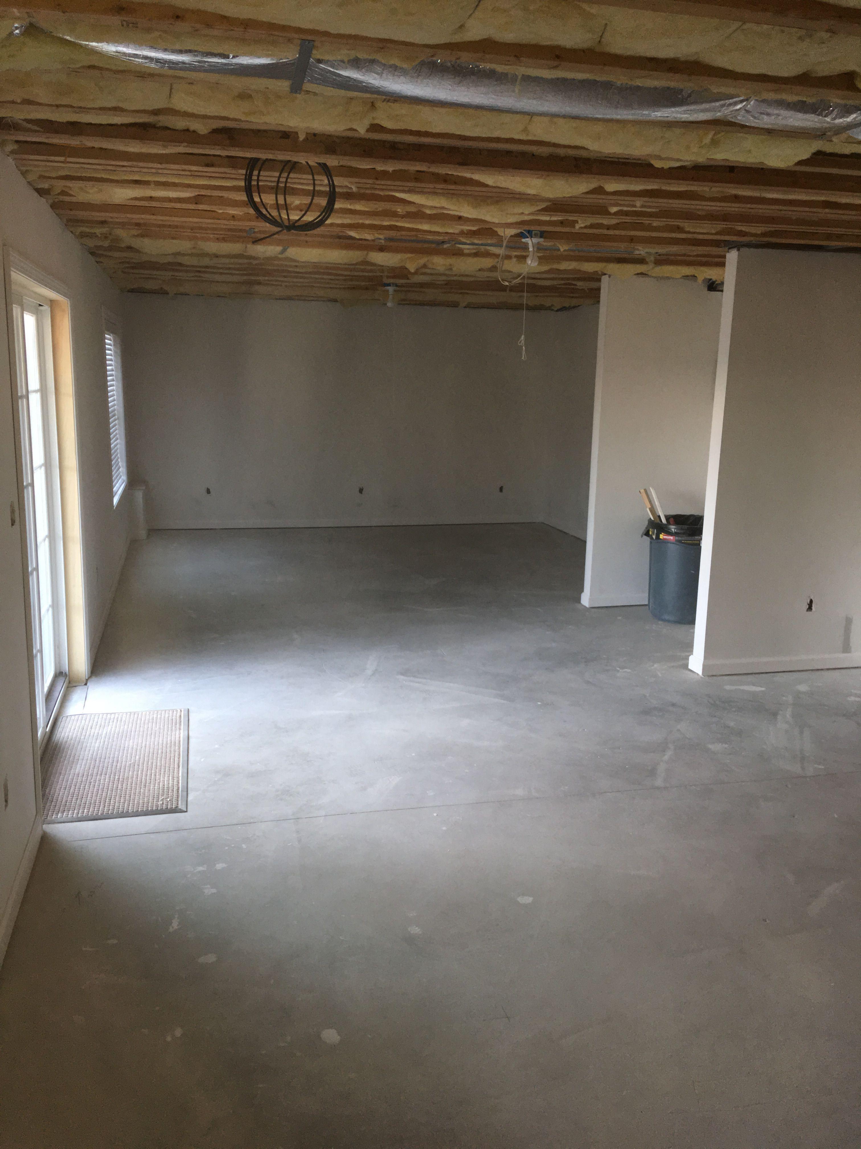 Finished basement-pic2.jpg