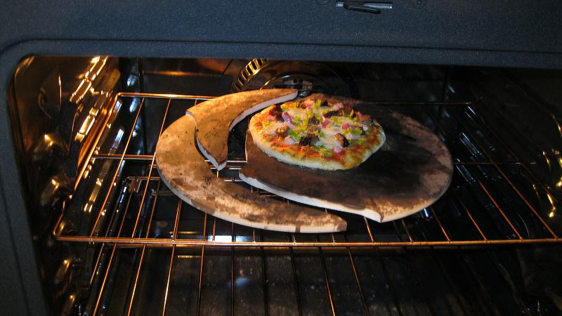 The Wood-fired oven thread-pizza-stone-fail.jpg