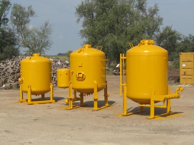 Commercial Sandblasting Equipment For Sale-pots3.jpg