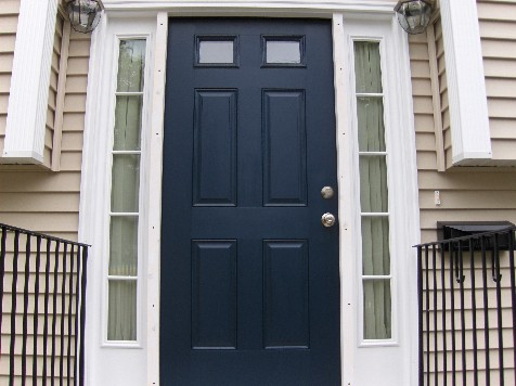 Anyone know where i can find a stormdoor for a door with for One side door design