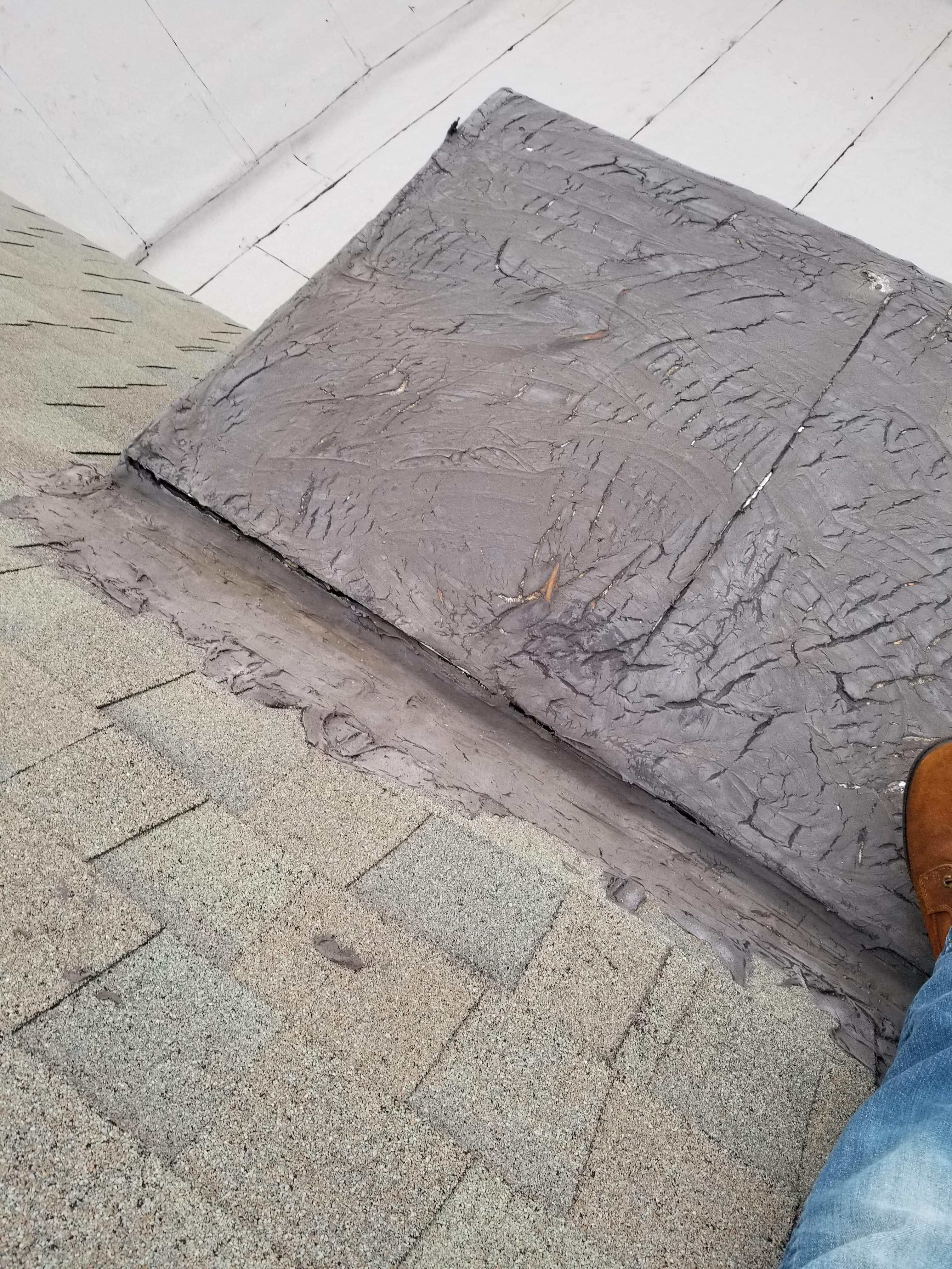 What is the best way to repair this crack on this roof.-received_212600159635826_1567370971266.jpeg
