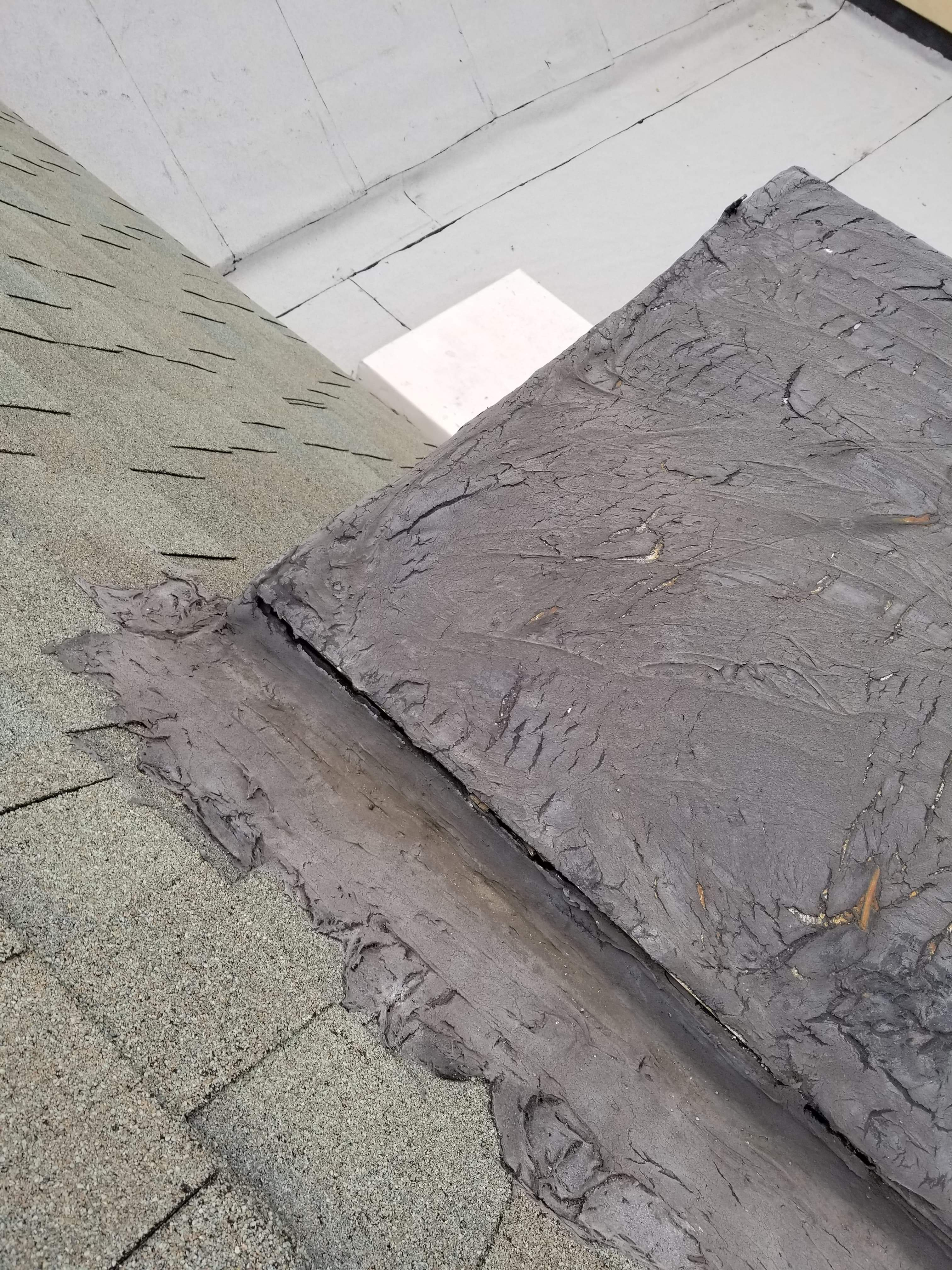 What is the best way to repair this crack on this roof.-received_580404395747191_1567370982898.jpeg