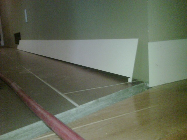 Baseboard transition from carpet to tile carpet vidalondon Baseboard height