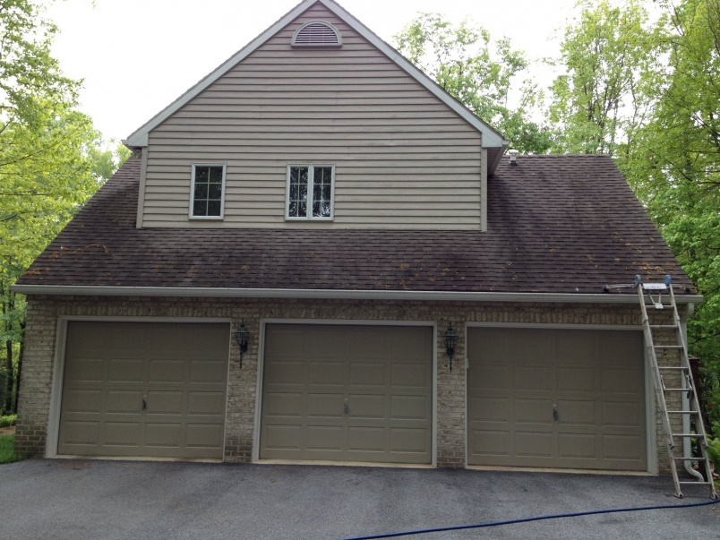 Before and After Pics -Non Pressure Roof Cleaning York, PA-rsz_1roof_cleaning_york_pa_17406_003.jpg