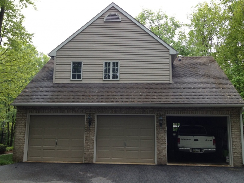 Before and After Pics -Non Pressure Roof Cleaning York, PA-rsz_roof_cleaning_york_pa_17406_007.jpg