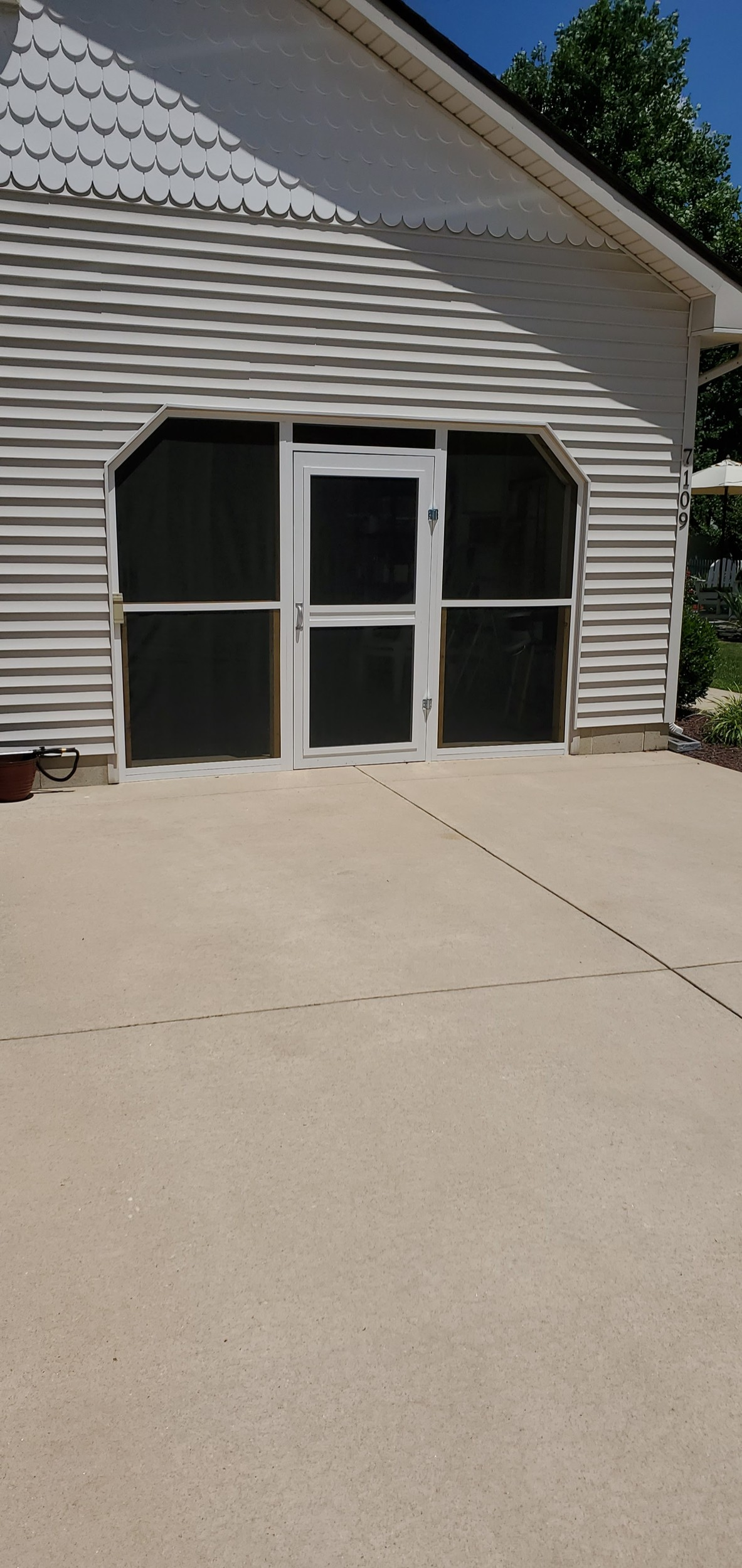 Post A Picture Of Your Current Job (Part III)-screened-garage.jpg