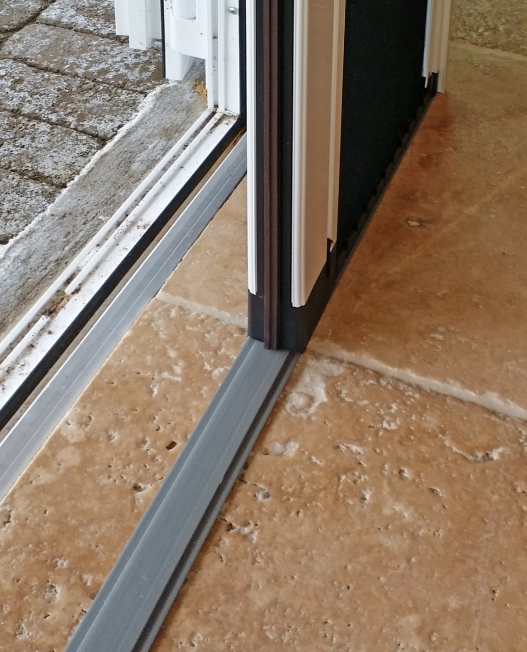 Retractable pleated screen door slider carpentry for Screens for patio doors retractable