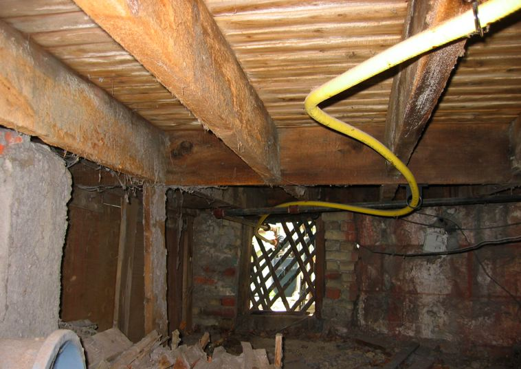 Gas Line Attached To Porch Joist Danger Carpentry