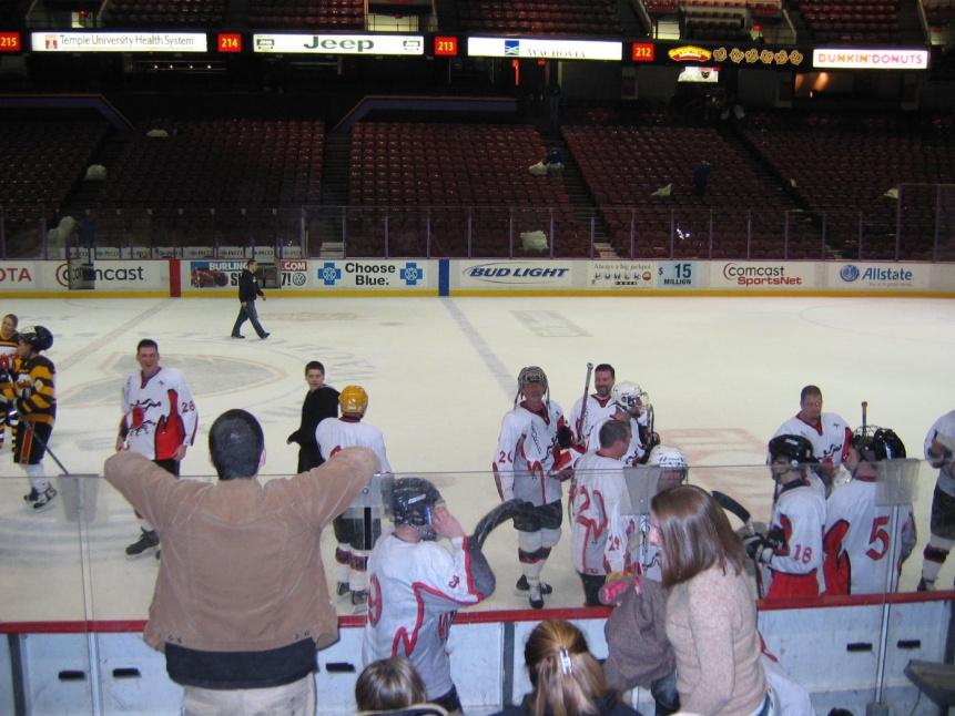 Pee Wee Hockey Coach Gets 15 Days in Jail for This Handshake Stunt-spectrum-hockey-013a.jpg