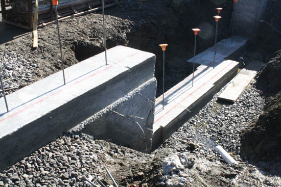 Footings Help-step-down-footing.jpg