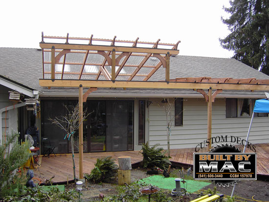 Ranch style house with front porch - Pergola Construction Contractor Talk