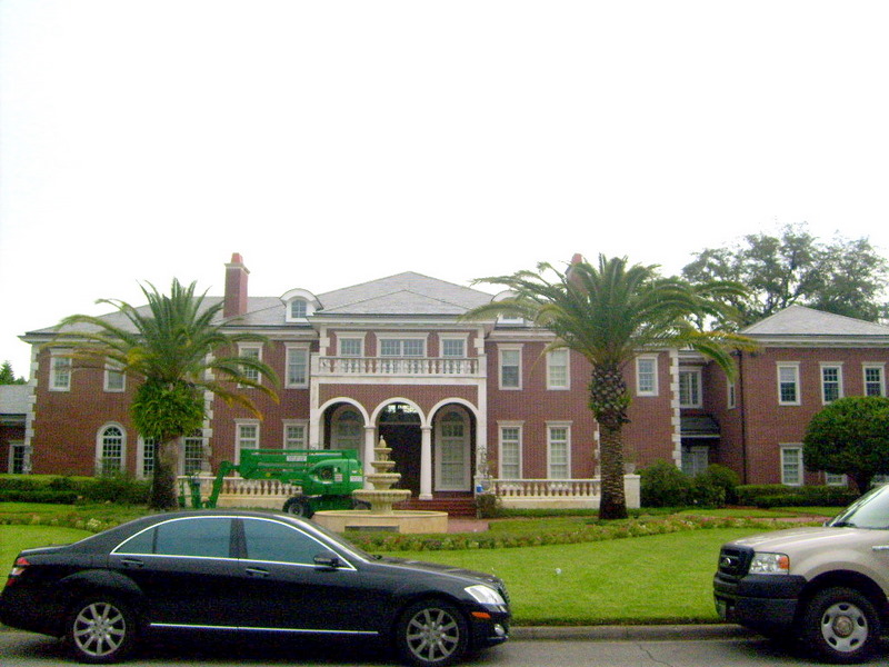 Slate Roof Cleaning In Tampa Fl Using Lift To Clean