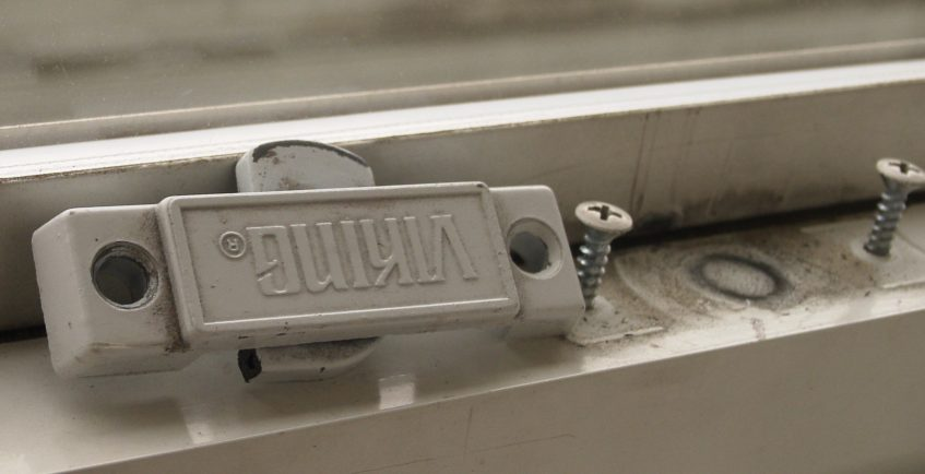 Source for older Viking brand window hardware?-vikinglatch.jpg