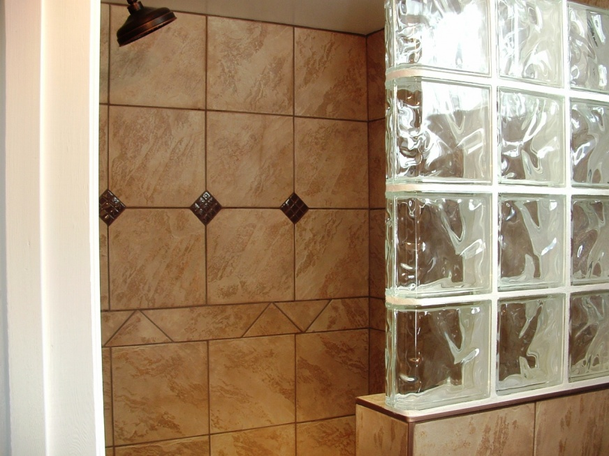 Edging for tile backsplash